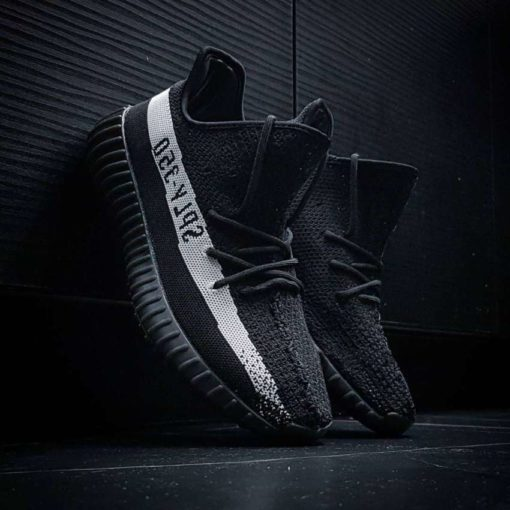 кроссовки Adidas Yeezy Boost 350 v2 Black and White